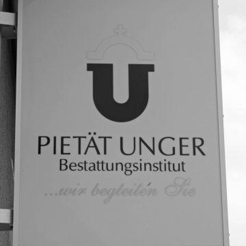 Firmenschild aktuell Foto: Pietät Unger