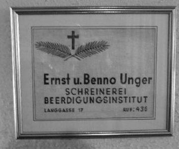 gerahmtes Firmenschild, Ernst und Benno Unger, Schreinerei, Beerdigungsinstitut, Foto: Pietät Unger