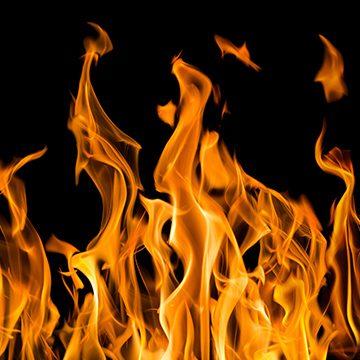 Flammen, Foto: Adobe Stock, Alexander Potapov